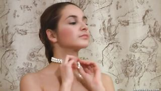 Pauline shows her body and pleases herself with fingering--_short_preview.mp4