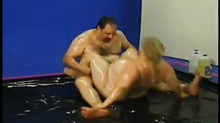 Lusty fat mommy with oiled body gets her cunt fucked and toyed--_short_preview.mp4