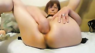 Trashy mature woman stretching her fuck holes with fingers while on webcam session--_short_preview.mp4