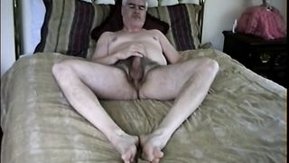 BED WANKING DUDE--_short_preview.mp4
