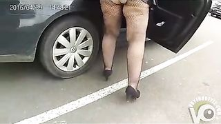 Chubby mommy with a bare ass visits the store--_short_preview.mp4