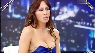 Turkish singer's boob wants to escape!--_short_preview.mp4