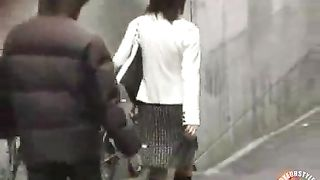 Lifting the skirts of Japanese women--_short_preview.mp4