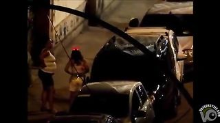 Gap between the cars is a perfect place to take a pee!--_short_preview.mp4