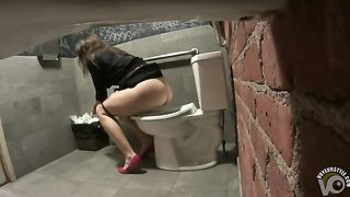 Bridesmaid in heels taking a pee in the restaurant toilet--_short_preview.mp4