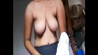 Natural tits of curvy Asian flasher look good--_short_preview.mp4