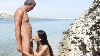 Amateur doggystyle sex in the sea--_short_preview.mp4