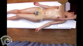 Asian masseuse gives a lesbian happy ending--_short_preview.mp4