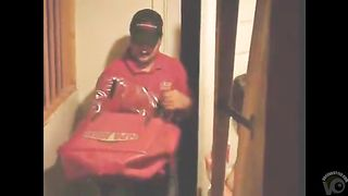 Undressed cutie takes a pizza delivery--_short_preview.mp4
