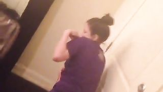 Amateur girls shake asses in short video--_short_preview.mp4