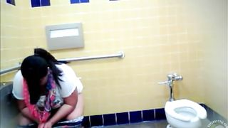 Best friends always pee together--_short_preview.mp4