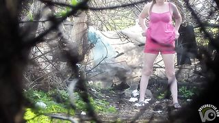 Friends go pee in the park--_short_preview.mp4