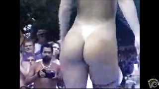 Delicious blonde model shows off her big boobs and shaved pubis--_short_preview.mp4