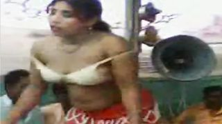 Dancing Pakistani girls expose so much sexy flesh--_short_preview.mp4