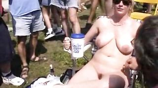 Naked blonde woman flashes breasts and crotch in the park--_short_preview.mp4