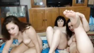 Four curvy webcam girls flashing in the sexy video--_short_preview.mp4
