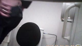 College chick gets recorded peeing on the toilet--_short_preview.mp4