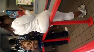 Huge bubble butt in white yoga pants--_short_preview.mp4