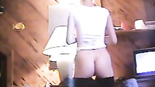 Hot body girl does makeup with her shorts down--_short_preview.mp4
