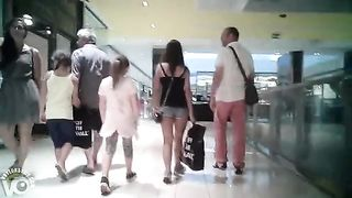 Short shorts on a hot ass at the mall--_short_preview.mp4