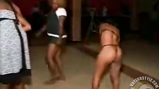 Tanzanian party chicks dance with their asses out--_short_preview.mp4