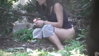 Sexy woman goes behind a tree for the delight of a voyeur--_short_preview.mp4