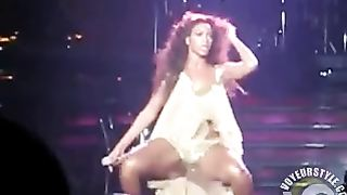 Beyonce dances in concert and her tits jiggle--_short_preview.mp4
