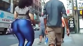 Latina woman with a gigantic booty cruises the city--_short_preview.mp4