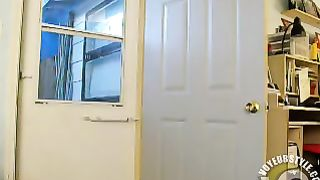 Plump blonde likes flashing with her ass!--_short_preview.mp4