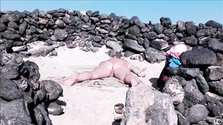 Beach woman has her vagina touched by a stranger--_short_preview.mp4