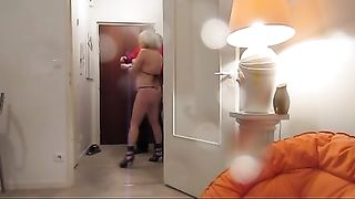 Scantily clad milf pays the pizza boy--_short_preview.mp4