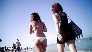 Hot body girl in a bikini has a great ass--_short_preview.mp4