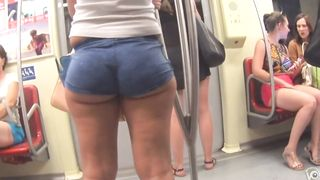 Voluptuous honey has an amazing pair of fat buttocks--_short_preview.mp4