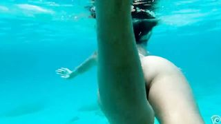 Naked pussy under the blue water--_short_preview.mp4