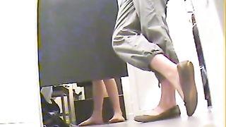 Hidden cam upskirt of cutie trying on dresses--_short_preview.mp4