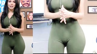 Athletic long-haired MILF wears a really tight outfit--_short_preview.mp4