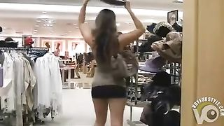 Exposing the private parts in the department store--_short_preview.mp4