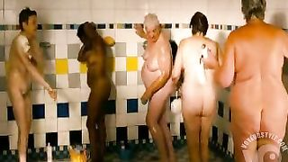 Sarah Silverman naked in shower video clip--_short_preview.mp4
