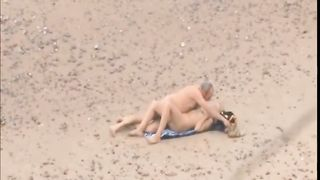 Old daddy tempts the young blonde on a beach--_short_preview.mp4
