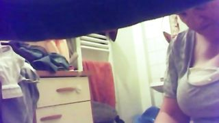 Hidden camera captures BBW urinating in compilation video--_short_preview.mp4