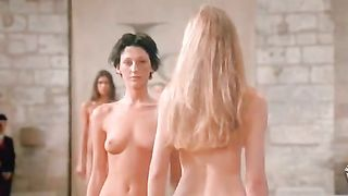 Naked supermodels walk the runway at a fashion show--_short_preview.mp4