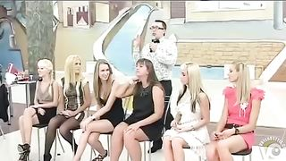 Russian bridesmaids playing an interesting wedding game--_short_preview.mp4