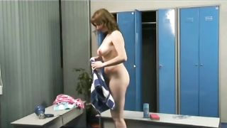 Curvy amateur dries her hair in locker room--_short_preview.mp4