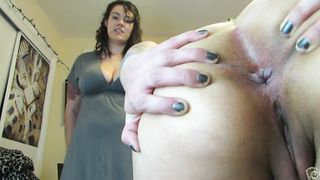 Amateur girls spread their butt cheeks, one of them has a fat hairy ass--_short_preview.mp4
