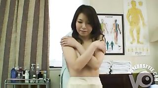 Japanese woman gets the best treatment ever--_short_preview.mp4