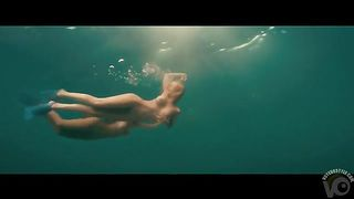 Busty naked swimmers make erotic underwater art--_short_preview.mp4