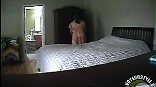 Fat cougar plays with cunny on the bed--_short_preview.mp4