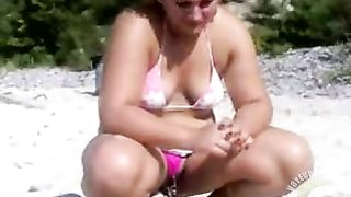 Bikini GF pisses in the sand for me--_short_preview.mp4