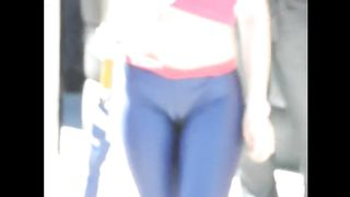 Extraordinary cameltoe on a cute girl in public--_short_preview.mp4
