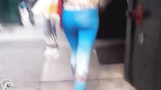 Blue spandex hugs her ass on the city street--_short_preview.mp4